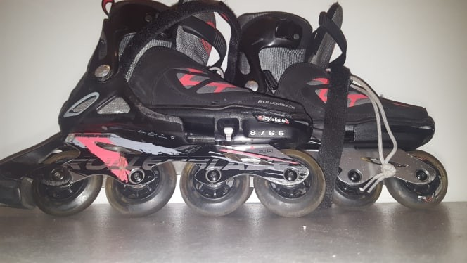 ROLLERS A VENDRE 40 EUROS TAILLE 36.5-40.5